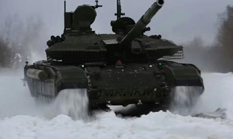 El tanque ruso T-90 - Página 2 20190275