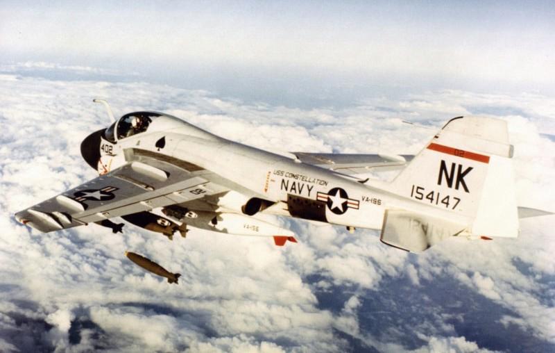 Grumman A-6 Intruder y EA-6B Prowler 20190450