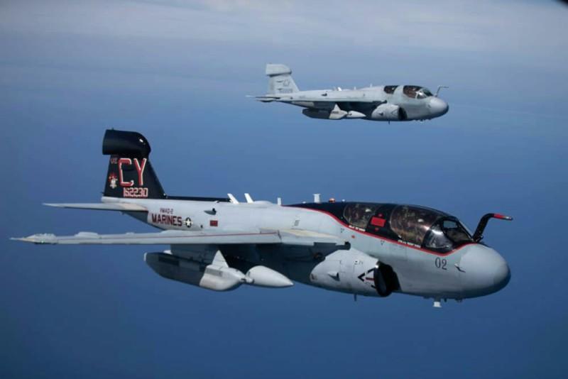 Grumman A-6 Intruder y EA-6B Prowler 20190454