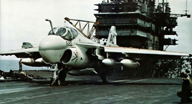 Grumman A-6 Intruder y EA-6B Prowler 20190455