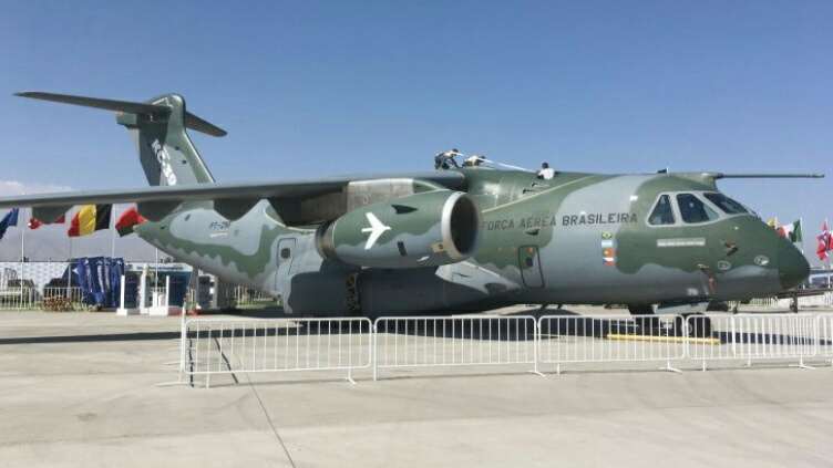 EMBRAER KC-390  - Página 7 20190558