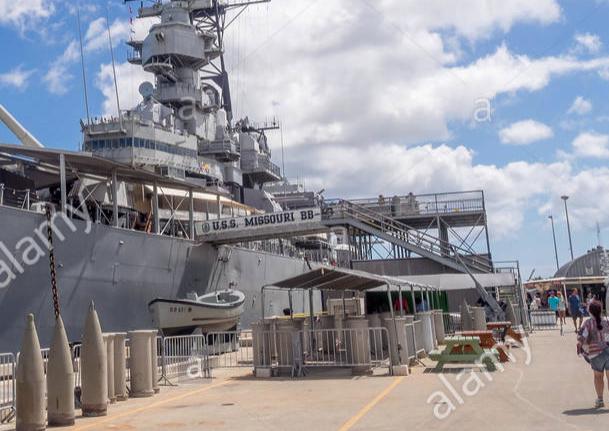[Uchronie] USS Lake Michigan (base Iowa Trumpeter 1/200°) par hibikitokay - Page 10 Captur23