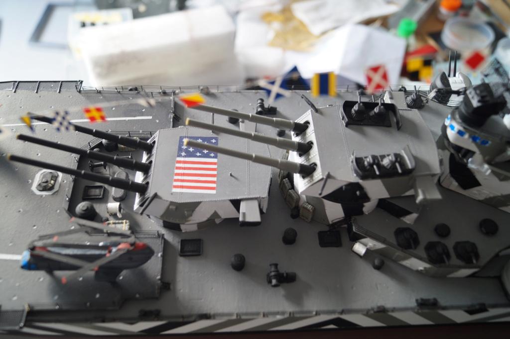 [Uchronie] USS Lake Michigan (base Iowa Trumpeter 1/200°) par hibikitokay - Page 10 Dsc00017