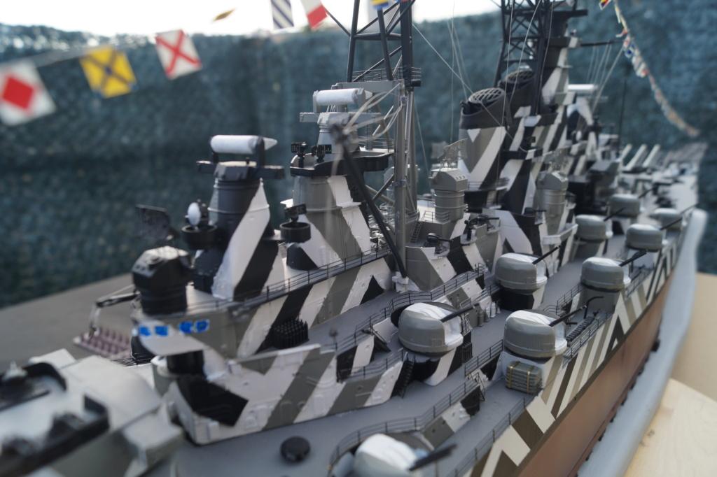 [Uchronie] USS Lake Michigan (base Iowa Trumpeter 1/200°) par hibikitokay - Page 10 Dsc00021