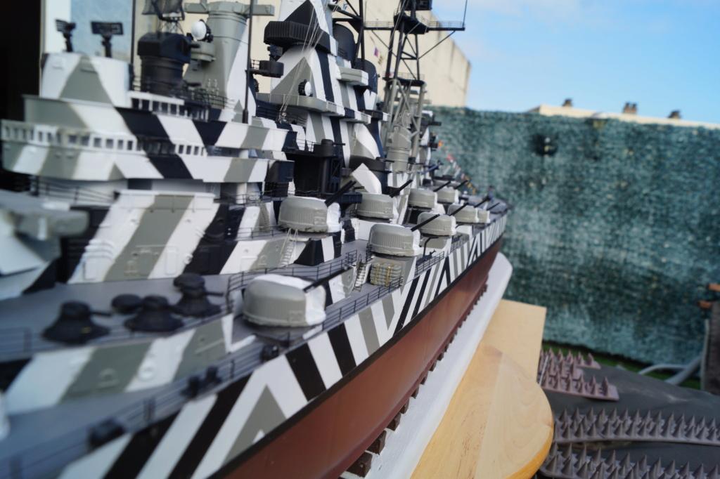 [Uchronie] USS Lake Michigan (base Iowa Trumpeter 1/200°) par hibikitokay - Page 10 Dsc00024