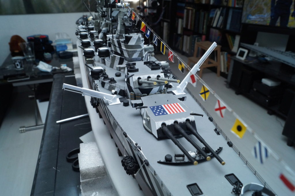 [Uchronie] USS Lake Michigan (base Iowa Trumpeter 1/200°) par hibikitokay - Page 10 Dsc00112