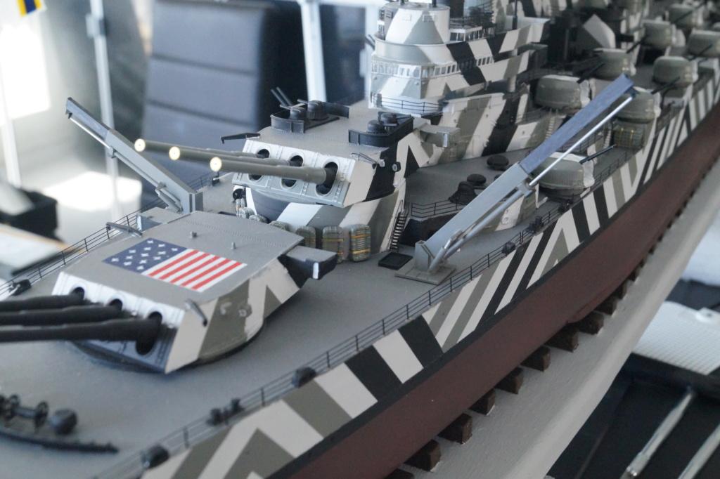 [Uchronie] USS Lake Michigan (base Iowa Trumpeter 1/200°) par hibikitokay - Page 10 Dsc00119