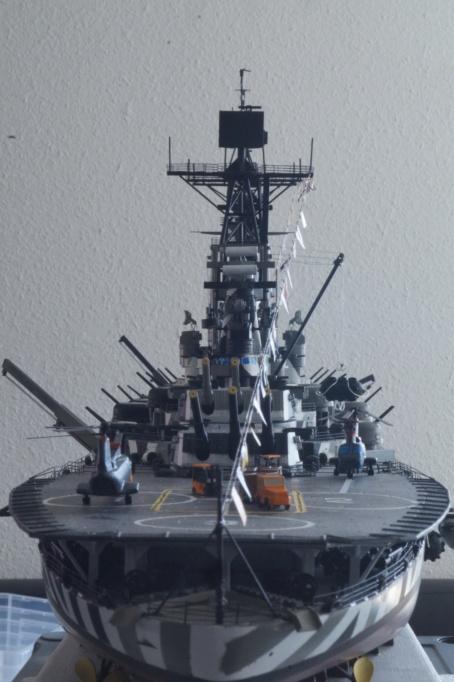 [Uchronie] USS Lake Michigan (base Iowa Trumpeter 1/200°) par hibikitokay - Page 10 Dsc00124