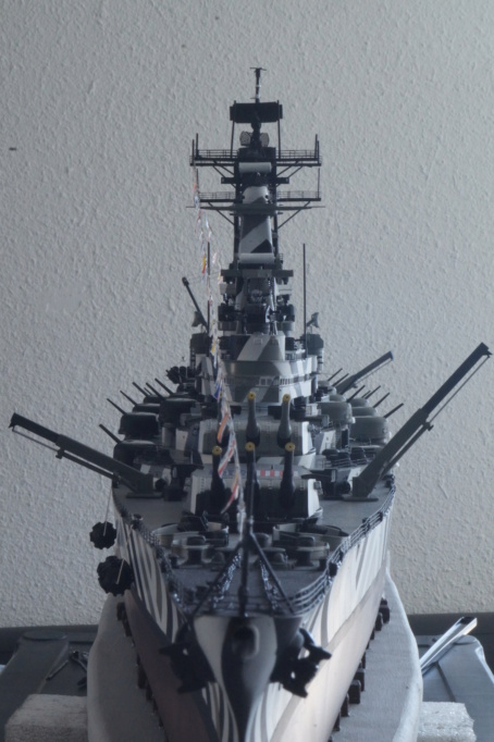 [Uchronie] USS Lake Michigan (base Iowa Trumpeter 1/200°) par hibikitokay - Page 10 Dsc00125
