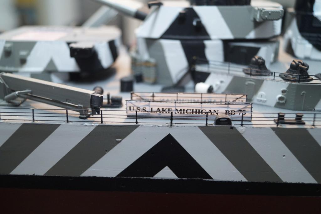 [Uchronie] USS Lake Michigan (base Iowa Trumpeter 1/200°) par hibikitokay - Page 11 Dsc00133