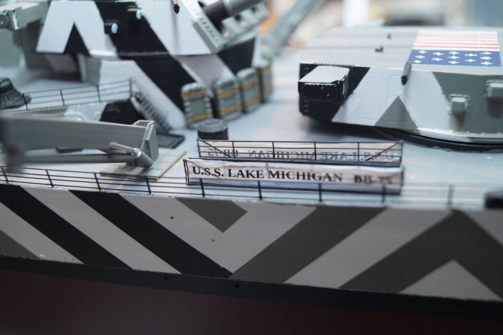 [Uchronie] USS Lake Michigan (base Iowa Trumpeter 1/200°) par hibikitokay - Page 11 Dsc00134
