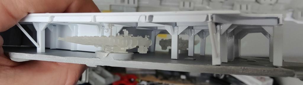 [Uchronie] USS Lake Michigan (base Iowa Trumpeter 1/200°) par hibikitokay - Page 4 Img_2030