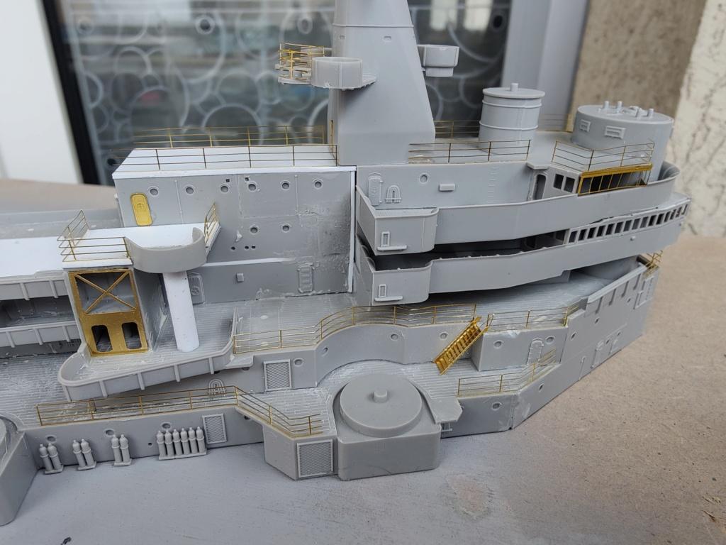 [Uchronie] USS Lake Michigan (base Iowa Trumpeter 1/200°) par hibikitokay - Page 7 Img_2105