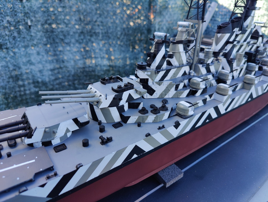 [Uchronie] USS Lake Michigan (base Iowa Trumpeter 1/200°) par hibikitokay - Page 7 Img_2116