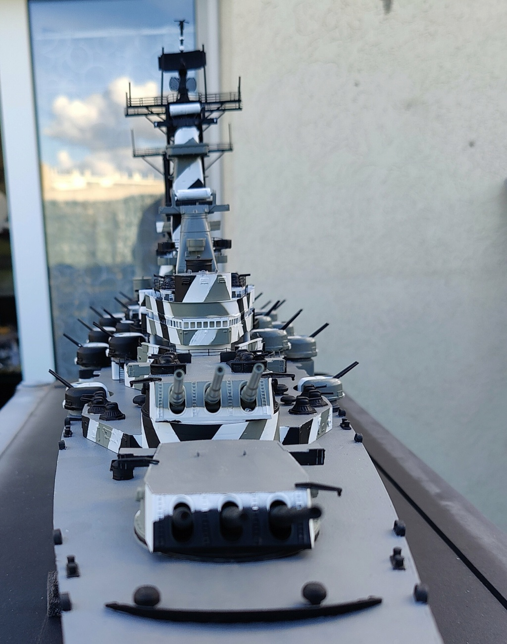 [Uchronie] USS Lake Michigan (base Iowa Trumpeter 1/200°) par hibikitokay - Page 7 Img_2118