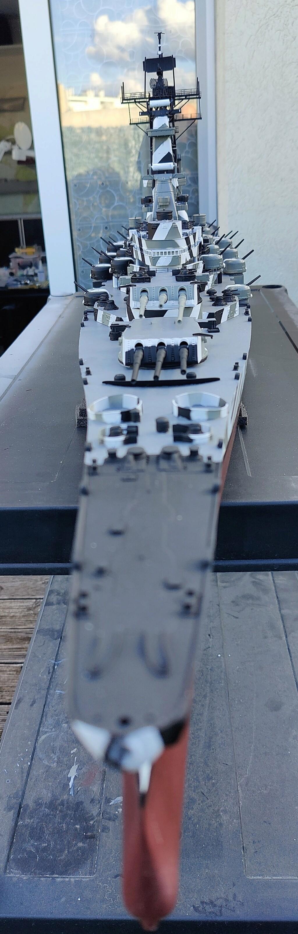 [Uchronie] USS Lake Michigan (base Iowa Trumpeter 1/200°) par hibikitokay - Page 7 Img_2120