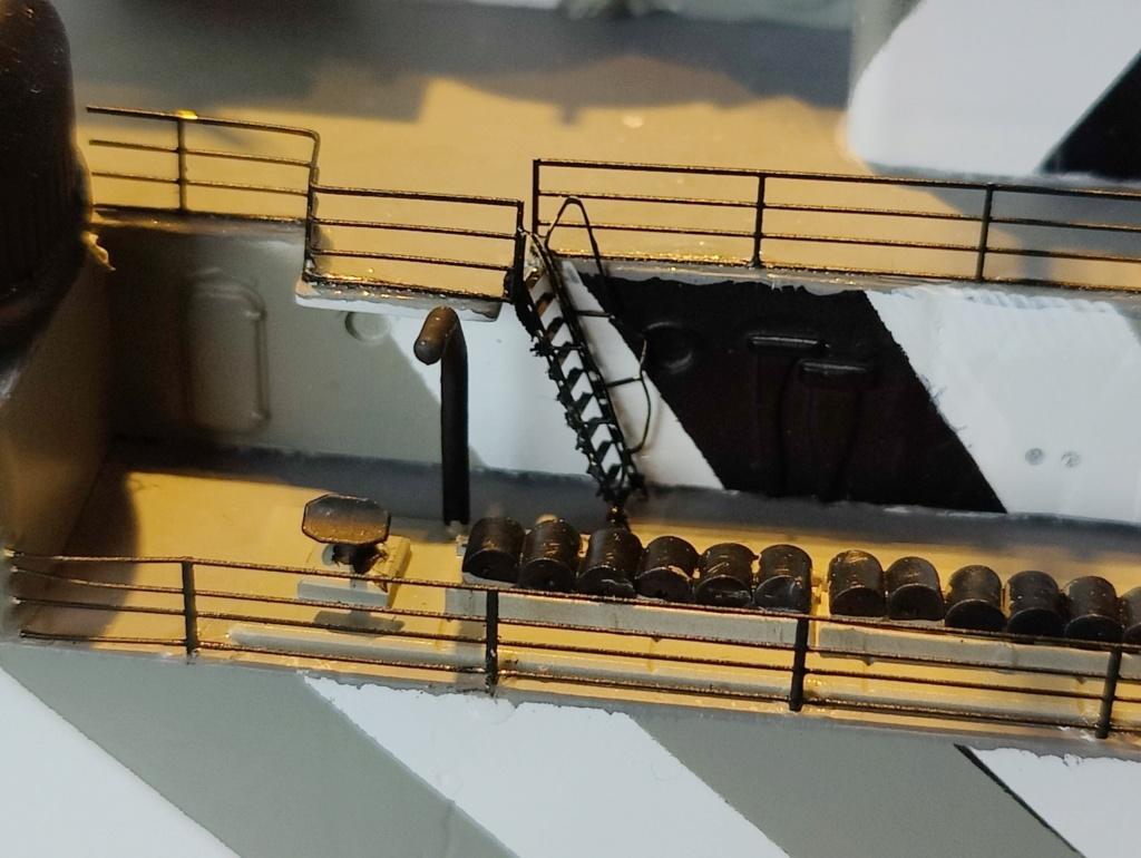 [Uchronie] USS Lake Michigan (base Iowa Trumpeter 1/200°) par hibikitokay - Page 8 Img_2168