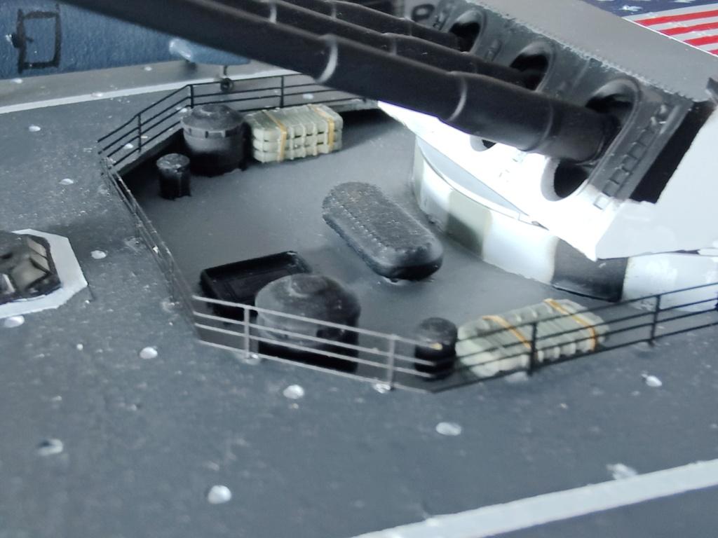 [Uchronie] USS Lake Michigan (base Iowa Trumpeter 1/200°) par hibikitokay - Page 10 Img_2196