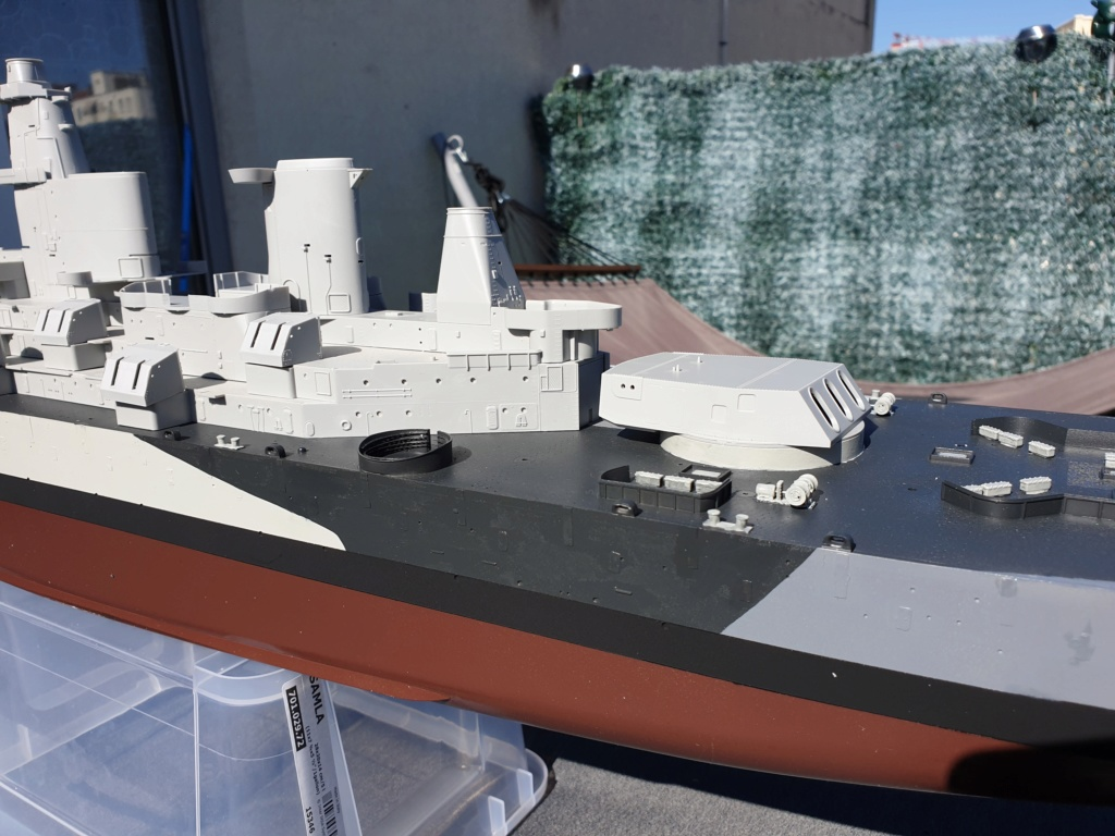 USS Missouri 1/200 de chez trumpeter Modeli19
