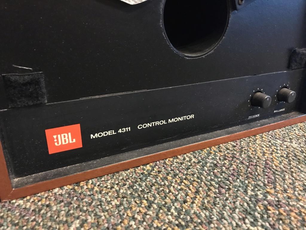 JBL 4311 Control Monitor (USED) Img_2611