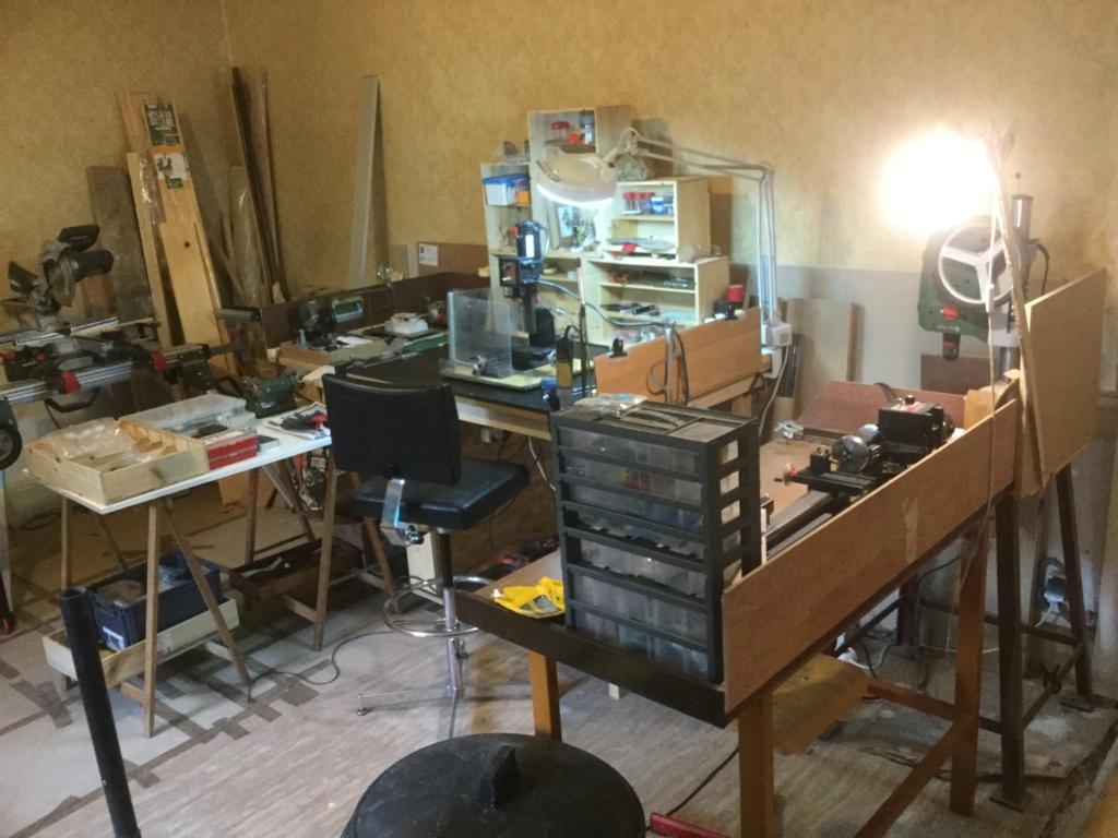 Mon établi à partir d'un vieux bureau américain Img_5510