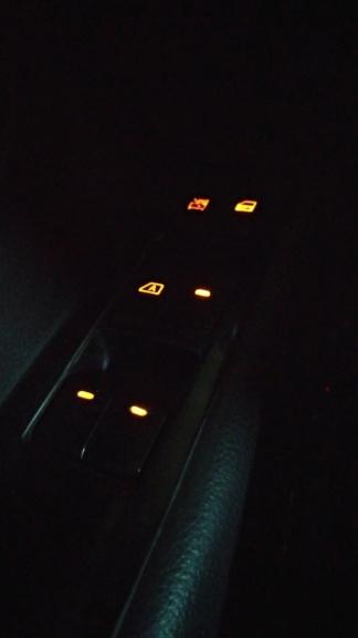 Iluminação Comando dos Vidros Livina P_202110