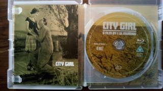 1930 - City Girl Coffre11