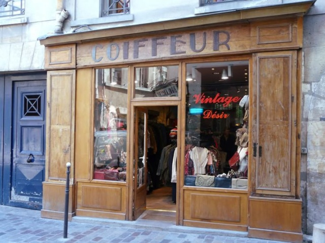 1944-1945..charpente, façade, café...la suite.... Boutiq11
