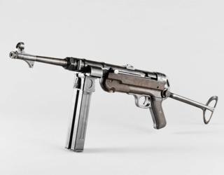 1944-1945. suite ,suite et fin avec Flak 38 - Page 9 Pistol10