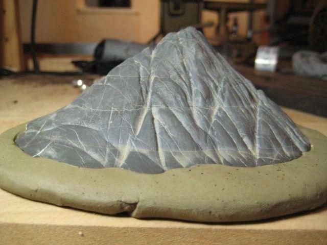 Making a daiza by Sandro Tschudin. 9610
