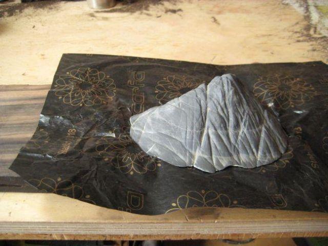 Making a daiza by Sandro Tschudin. 9910