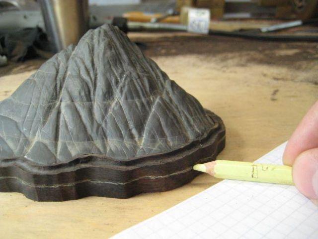 Making a daiza by Sandro Tschudin. I10
