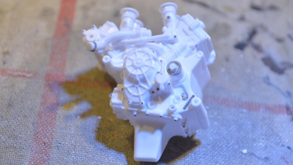 [Moto] Conversion et kit de maquette - Page 2 Dsc_3511
