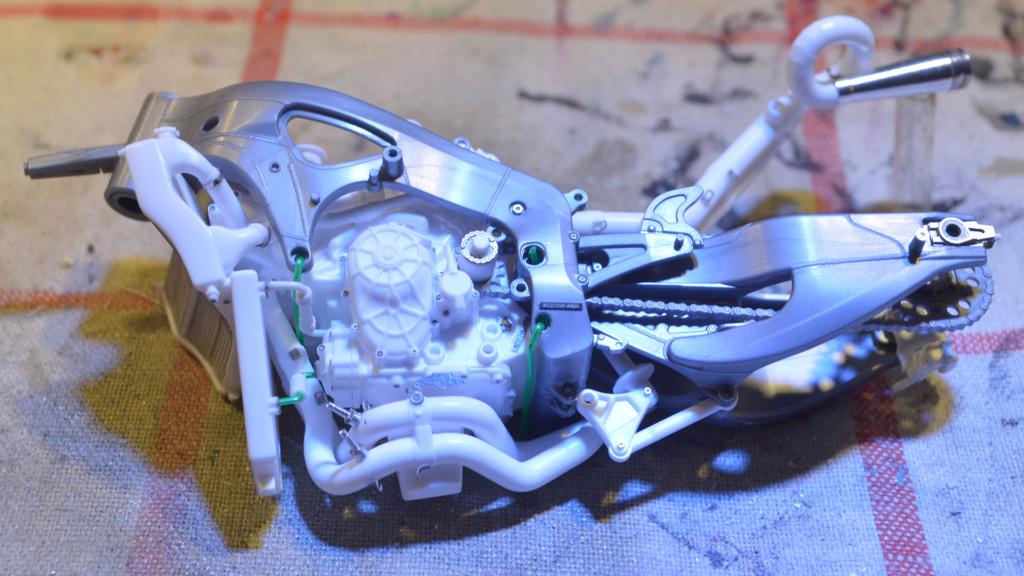 [Moto] Conversion et kit de maquette - Page 2 Dsc_3514