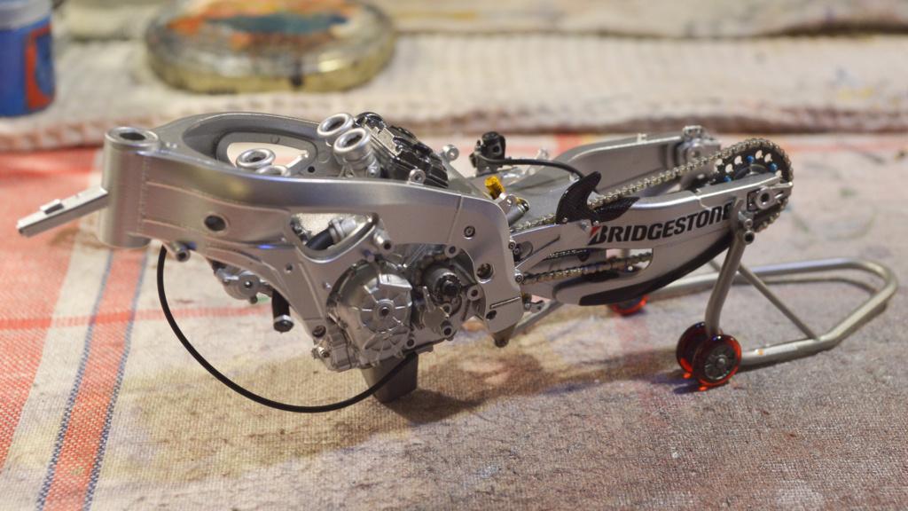 [Moto] Conversion et kit de maquette - Page 3 Dsc_3613
