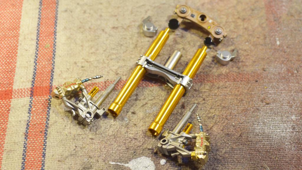 [Moto] Conversion et kit de maquette - Page 3 Dsc_3619