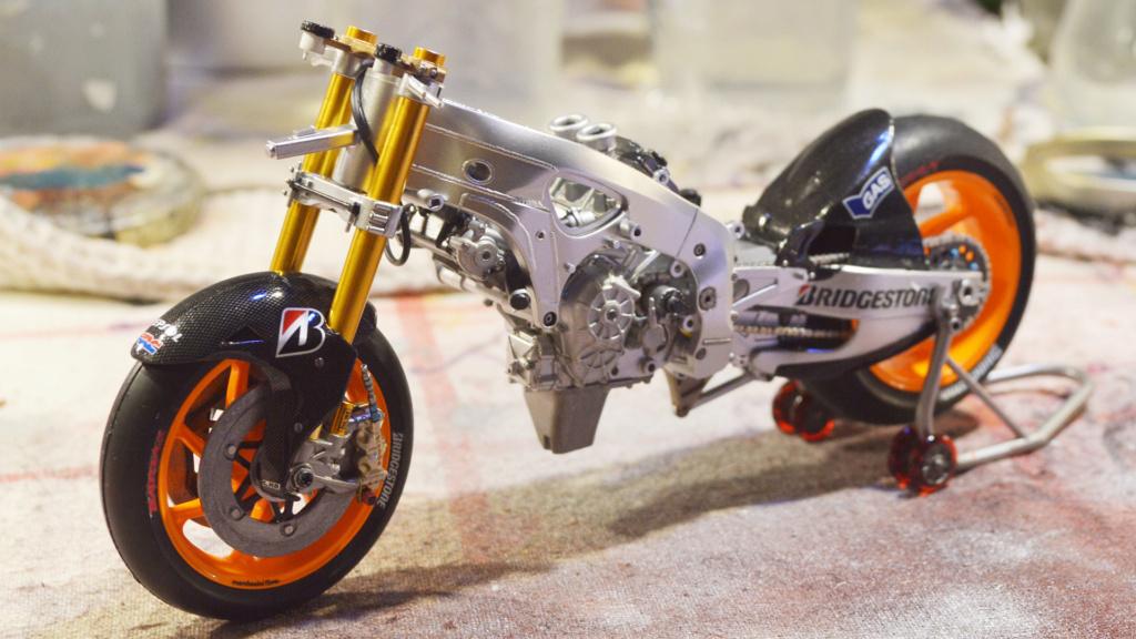 [Moto] Conversion et kit de maquette - Page 3 Dsc_3627