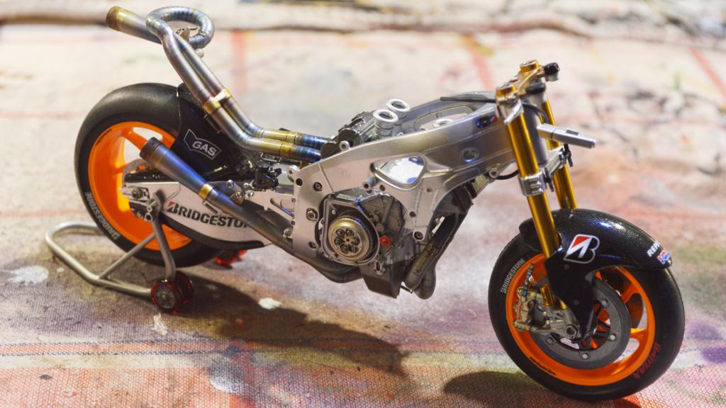 [Moto] Conversion et kit de maquette - Page 3 Dsc_3628