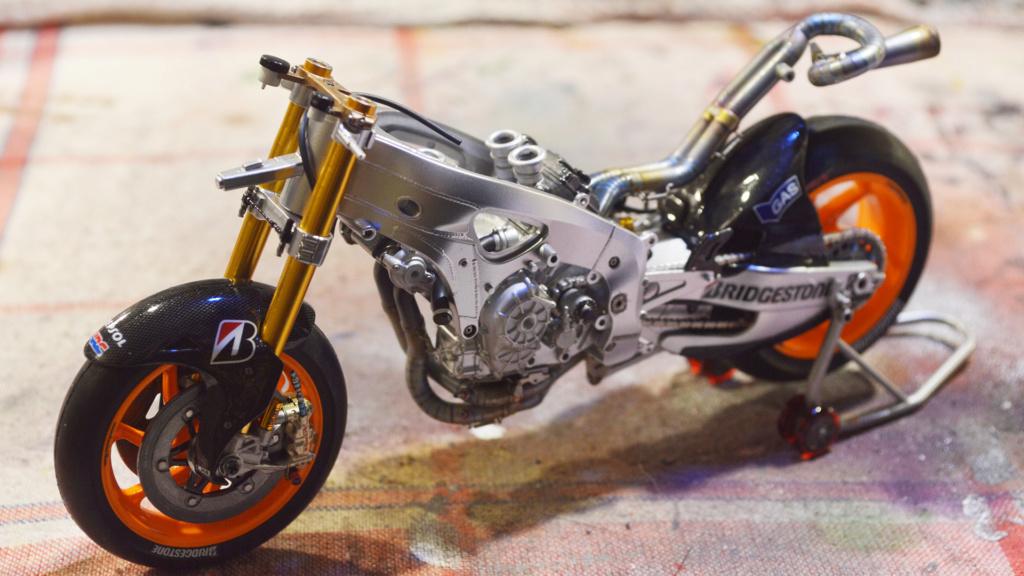[Moto] Conversion et kit de maquette - Page 3 Dsc_3629