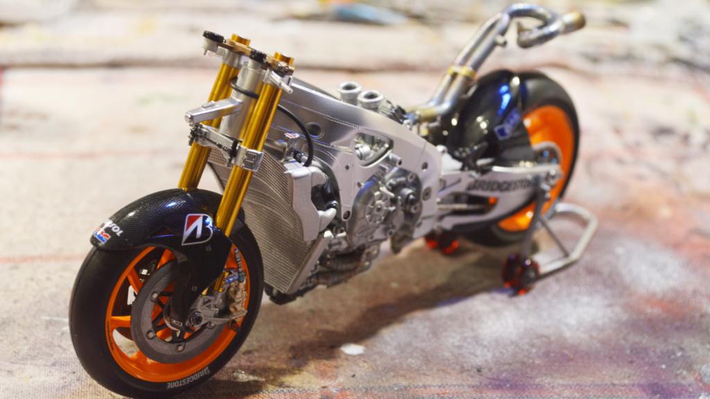 [Moto] Conversion et kit de maquette - Page 3 Dsc_3631