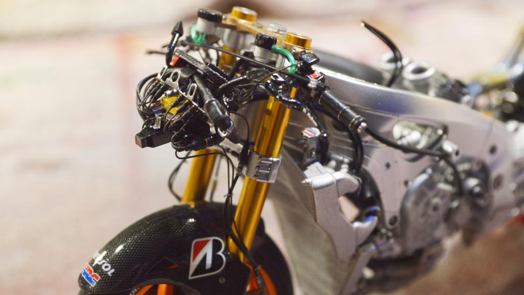 [Moto] Conversion et kit de maquette - Page 3 Dsc_3713
