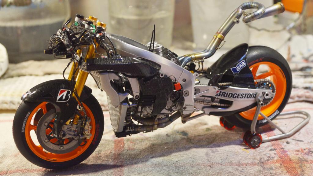 [Moto] Conversion et kit de maquette - Page 3 Dsc_3717