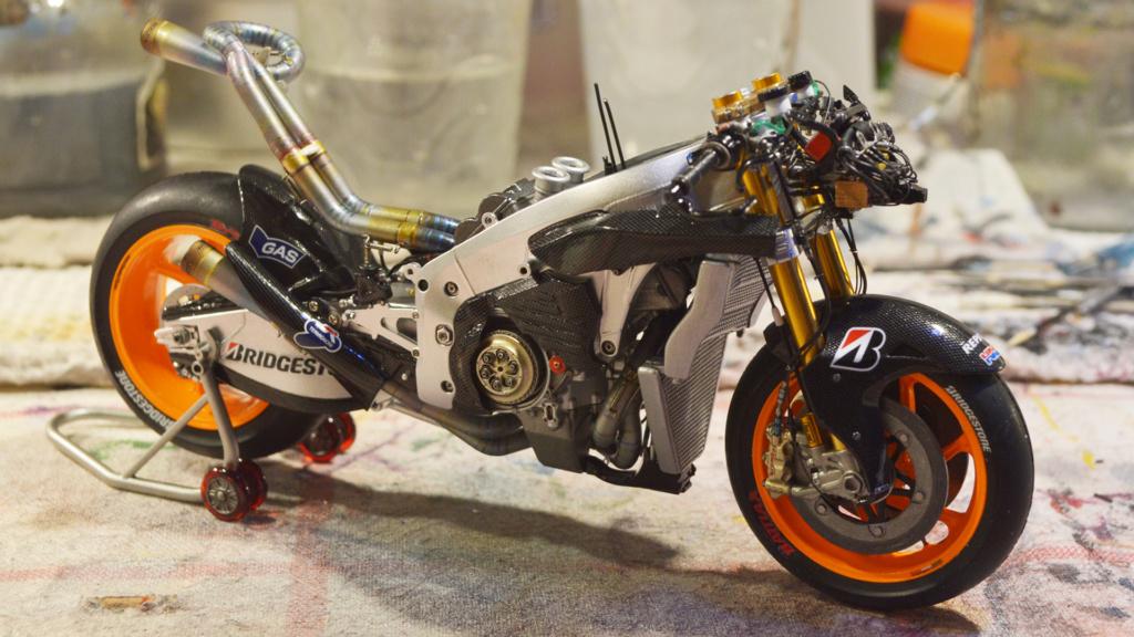 [Moto] Conversion et kit de maquette - Page 3 Dsc_3718