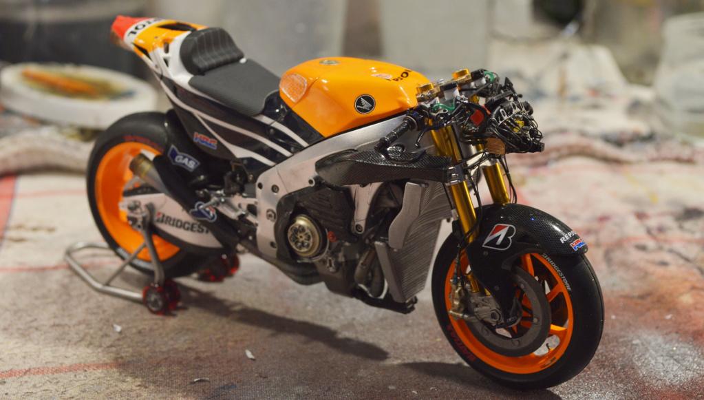 [Moto] Conversion et kit de maquette - Page 3 Dsc_4010