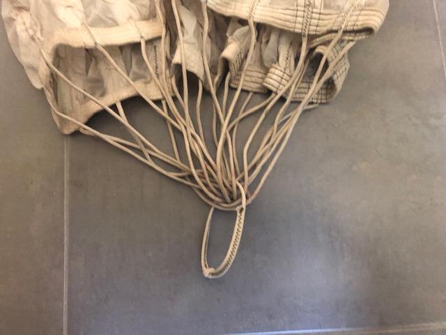 parachute daté  juillet 1944 Thumbn40