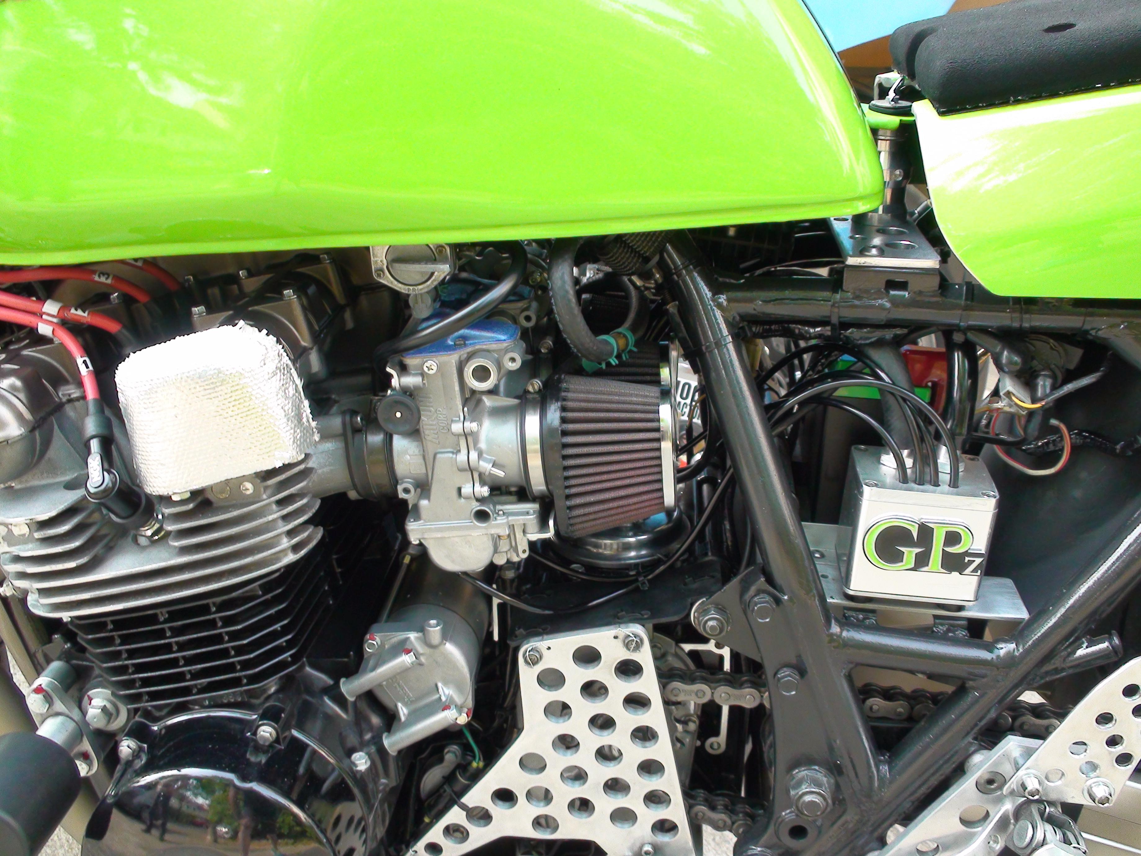"""GPZ 750 """"Endurance Classic"""" - Page 7 Dsc03610"""