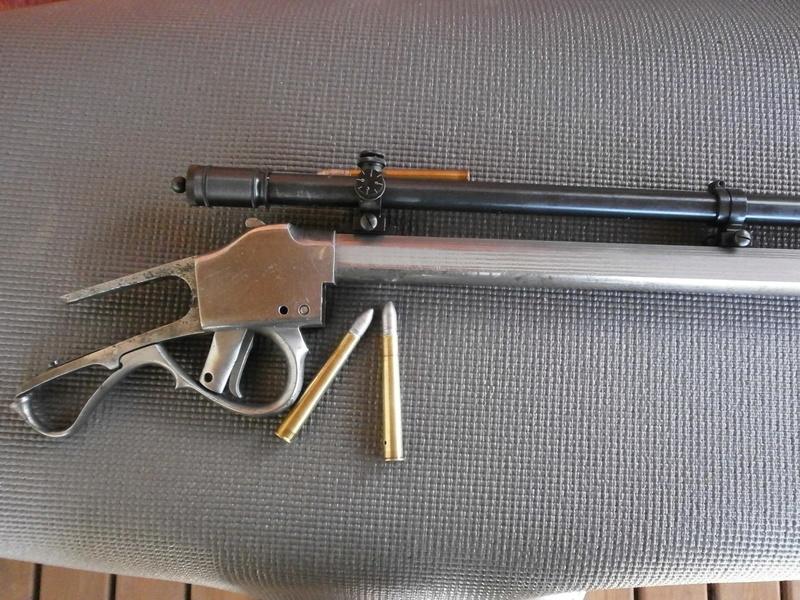 Deux custom en calibre confidentiel , le .37-77-330 dGdT . P8040511