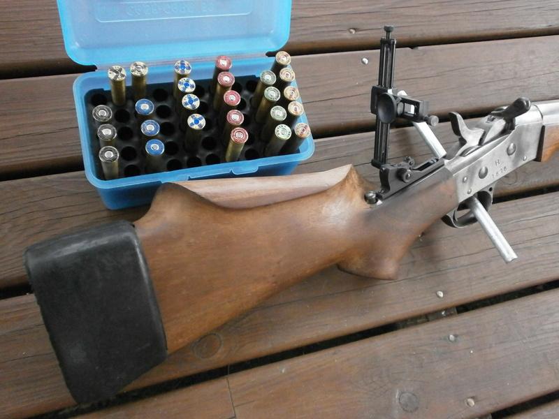 Deux custom en calibre confidentiel , le .37-77-330 dGdT . P8280510