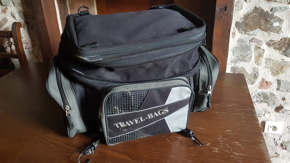vends sacoche travel bags 20190510