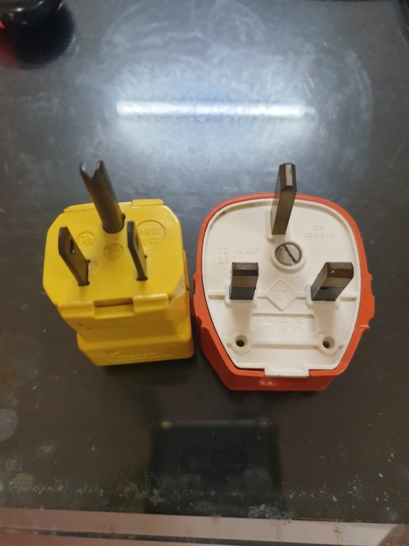Hubbell and MK plug (used) 16302212